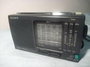 SONY WORLD RADIO STEREO UNUSED ICF-SW10 12 BAND JAPAN SW FM MW LW VINTAGE