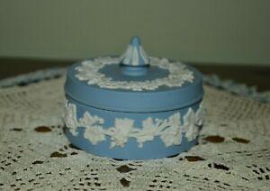 VINTAGE WEDGWOOD BLUE JASPERWARE TRINKET RING POWDER BOX DISH EXC