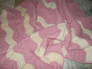 PINK & WHITE BABY RUG...COT..PRAM RUG...PRETTY AS BABY...! SIZE 120 X 105 CMS