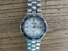 Reloj de Cuarzo SEIKO SQ100 5Y23-6130 Fecha/Día