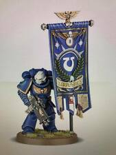 Warhammer 40,000 Space Marines Primaris Ancient with Adeptus Astartes Banner
