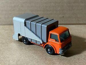 Vintage Lesney Matchbox Refuse Truck No. 7 Super Condition Red Silver Gray