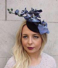 Grau Blau Schwarz Samt Orchidee Blume Fascinator Hut Rennen Haarspange Vintage