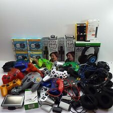 LOT OF CUSTOMERS RETURN VIDEO GAME CONTROLLER AND ACCESSORIES (LOOK DESC.) T117
