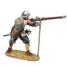 First Legion - TYW014 - Spanish Tercio Musketeer Ready to Fire- Thirty Years War