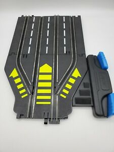 Vintage ARTIN 1/43 Slot Car Track 2 Lane To 4 Lane Switch Track With Controls