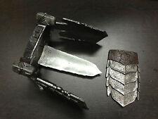 Hot Toys 1/6 Scale AVP-R Alien vs Predator Celtic 2.0 Hip Armor