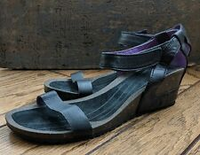 TEVA Ysidro Leather Wedge Ankle Strap Sandals Womens Sz 9.5 VGC