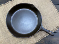 "Vintage UNMARKED (WAGNER WARE) No.10 - 11-3/4"" CAST IRON SKILLET Made In USA"