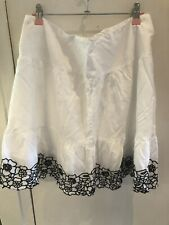 Ladies White Lace Detail Lined Skirt Size 14
