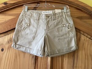 Junior's Aeropostale Tan Khaki Cuffed Hem Chino Shorts Size 1/2 - NWT