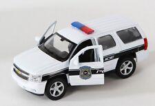 BLITZ VERSAND Chevrolet Tahoe Police 2008 weiss Welly Modell Auto 1:34 NEU OVP