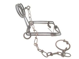 """Metal Snare Leg Trap Small Animal Foot 5"""" x 5"""" Square w/12"""" Chain  Vintage"""