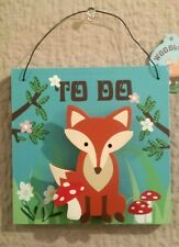 WOODLAND .FOX & TOADSTOOL WOODEN TO DO NOTE PEG CLIP 13CM.SQUARE HANGING PLAQUE
