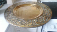 """LARGE ANTIQUE / VINTAGE BRASS INDIAN / CAMPAIGN TABLE TOP / TRAY  - PEACOCKS 26"""""""