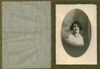 Photo ancienne femme posant en studio au dos Madeleine Arnaud épouse Paul