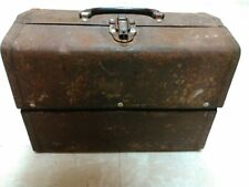 Vintage metal tackle box, no name