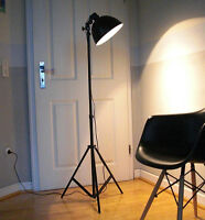 retro tripod film stehlampe spot studio set theater scheinwerfer leuchte lampe ebay. Black Bedroom Furniture Sets. Home Design Ideas