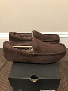 New UGG Men's Size 12 Ascot Moccasin Slipper CHO Chocolate Brown