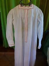 ancienne chemise nuit femme galons rouges,mini plis religieuses ,manches coudées