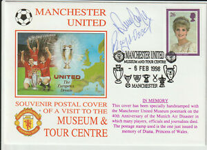MANCHESTER UNITED FC - RAY WOOD - BUSBY BABE - SIGNED ENVELOPE