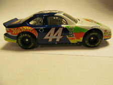 HOT WHEELS NASCAR DAYTONA 500 FEB 14TH 1999 1/64 SCALE DIE CAST TRACK CAR NEW