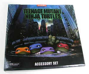 """NECA TMNT 1990 Movie Accessory Set Teenage Mutant Ninja Turtles 7"""" Figure Scale"""