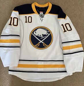 Mark Parrish 2010-2011 Game Worn Used Buffalo Sabres Jersey - Last NHL Jersey