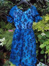 VINTAGE 1950s / 1960s BLUE & BLACK FLORAL PARTY EVENING DRESS - SIZE 8 OR 10
