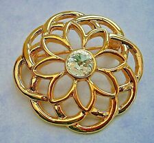 flower clear glass circular brooch Z115* Gold tone Celtic filigree geometric