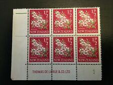 NZ 1960 QEII 1/2d Manuka Pictorial Plate Block 1 muh (NZPB128)