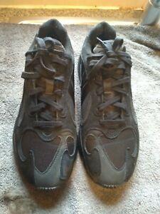 Mens adidas torsion trainers size 10