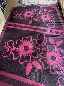 AFRICAN/MOROCCAN WOVEN PLASTIC MAT 152cm X 246cm Flower Design Pink And Black