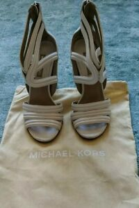 Michael Kors white leather Size 4 sandals Chunky heel Back zip Dust bag included