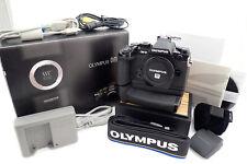 Olympus OM-D E-M1 Gehäuse / Body gebraucht incl. HLD7 - unter 1 Tsd. Auslösungen
