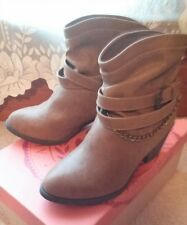 Womens S.O. JINGLE Brown Strappy Western Dress Casual Ankle Boots Booties NEW 7