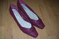 """NEW EASY STREET 11W 11 WIDE WOMENS HEELS SHOES CLASSIC RED 2"""" HEEL"""