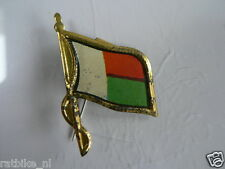 PINS,SPELDJES 50'S/60'S COUNTRY FLAGS 49 MADAGASKER VINTAGE VERY OLD VLAG