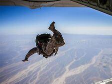 Guerra Ejercito Soldado Pistola Rifle Marina de paracaidismo acrobático Jump cartel impresión bb3415a