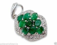 Unbehandelte Halsketten und Anhänger aus Edelsteinen mit Smaragd für Damen