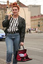 schwarzer Schminkkoffer Lack Koffer 60er True Vintage beauty case lacquer Tasche