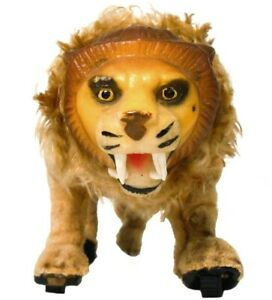 RARE LOUIS MARX & CO NY EARLY 20TH C VINT WIND-UP CLOTH CVRD LION MECH TOY W/KEY