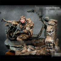 1/24 Locomotive gunwoman Soldier Resin Kits Unpainted Figure Model GK