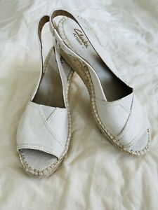 Clarks Artisan Petrina Rhea Ivory&Gold Linen Espadrille Wedge Sandal size 8M