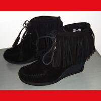 Minnetonka Suede Wedge Ankle Boots Lace Up & Fringe Black Size 7.5 M