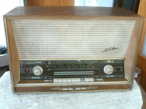 Röhrenradio Freiburg Automatic 100-Stereo - SABA