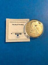 THE ROYAL WEDDING - 2011 THE ROYAL KISS COMMEMORATIVE 40mm PROOF COIN COA