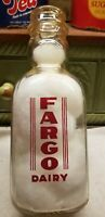 VINTAGE QUART MILK BOTTLE FARGO DAIRY BATAVIA NEW YORK CREAM TOP