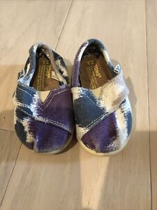 Preowned TOMS Size 3 Blue Purple White Tiny Classic Shoes Girls Boy Toddlers