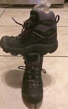 Keen women hiking boots 6.5